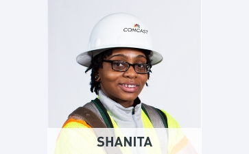 photo of comm tech Shanita in hard hat